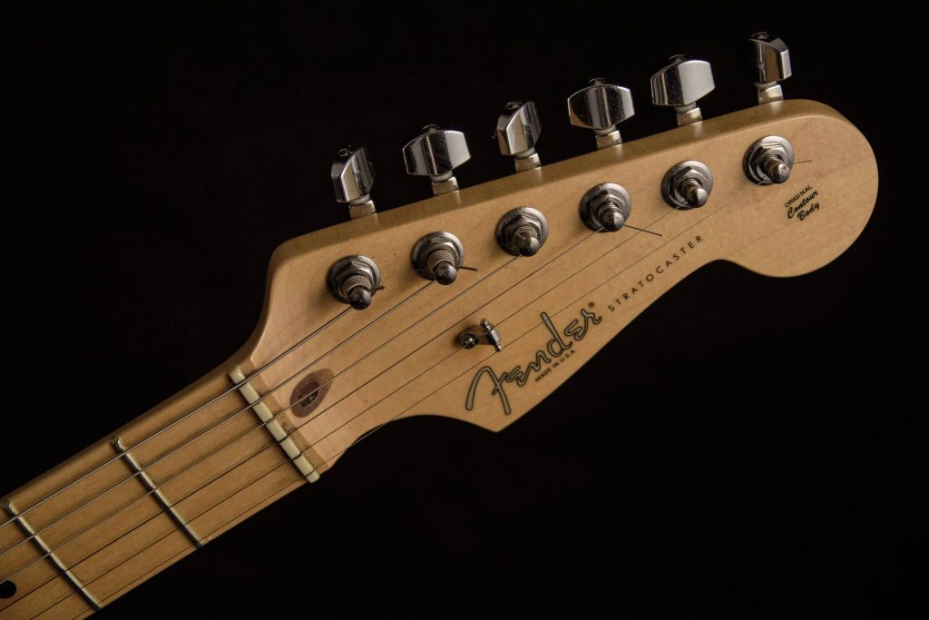 Kopfplatte einer Fender Statocaster E-Gitarre