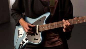 Fender Player Jaguar in der Farbe Tidepool