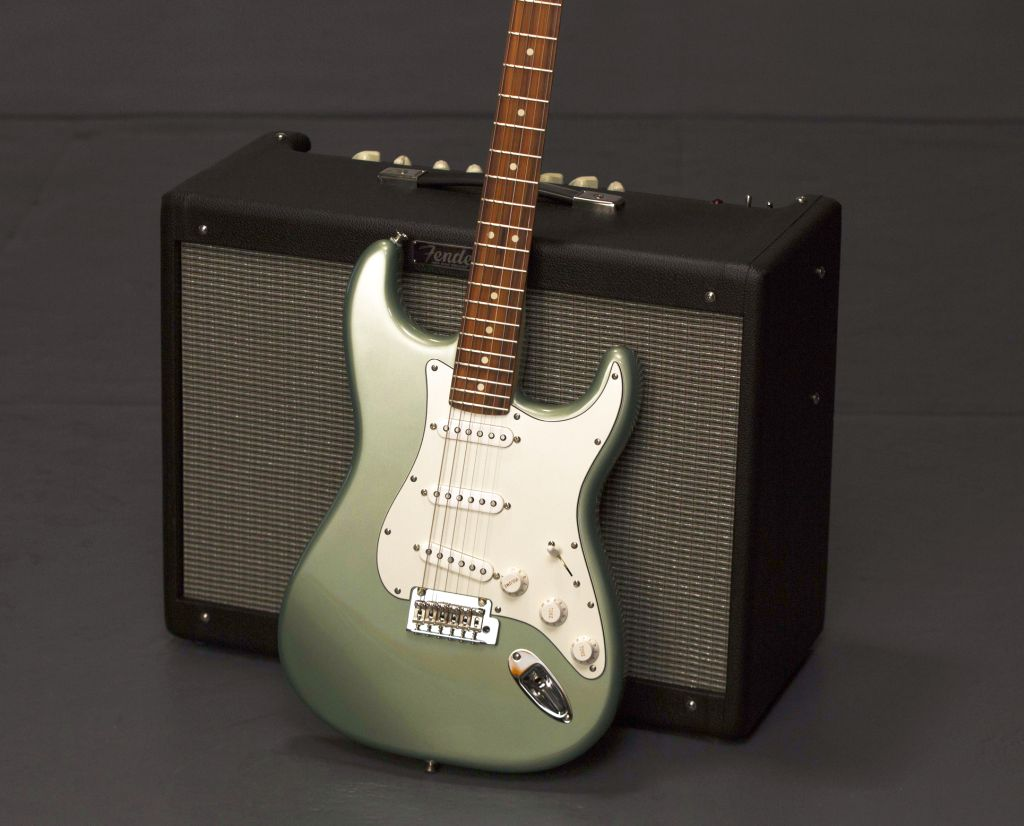 Fender Player Serie Strat und Amp